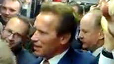 Шварцнегер прокатился в московском метро