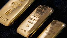 Нестабильность мировой экономики толкает цену на золото вверх