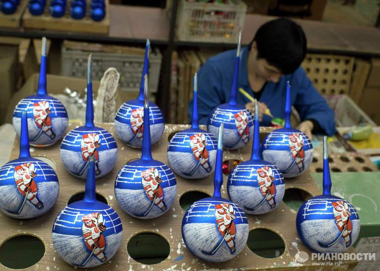 Производство елочных игрушек