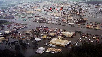 Последствия урагана Айк  в Нью Иберия, Луизиана, США. 2008 год