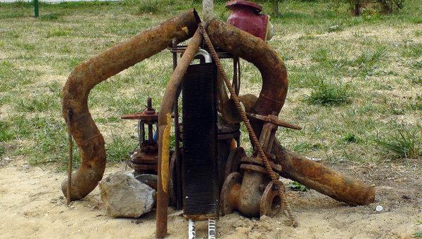 Памятник застройщику из ржавых труб