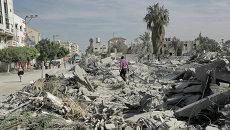 Одна из улиц в Газе после ночного обстрела израильской армией