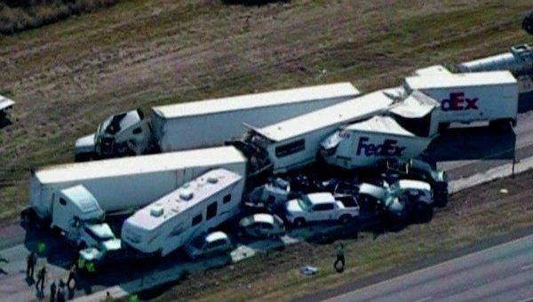 Крупная авария близ города Бомонт в Техасе