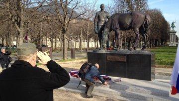 Памятник воинам Русского экспедиционного корпуса в Париже. Архивное фото