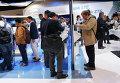 """Стенды китайских компаний Huawei и ZTE на выставке """"Mobile World Congress"""" в Барселоне"""