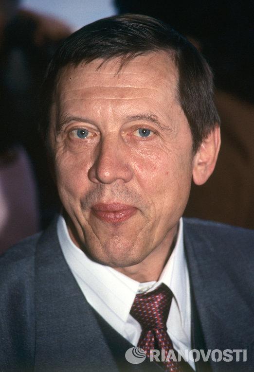 Артист театра и кино Валерий Золотухин