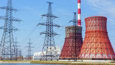 Тепловые электростанции и линии электропередач. Архивное фото