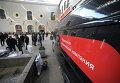 Перронный контроль пассажиров поезда Москва-Душанбе