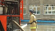 Тренировка девушек из добровольной пожарной дружины во Владивостоке