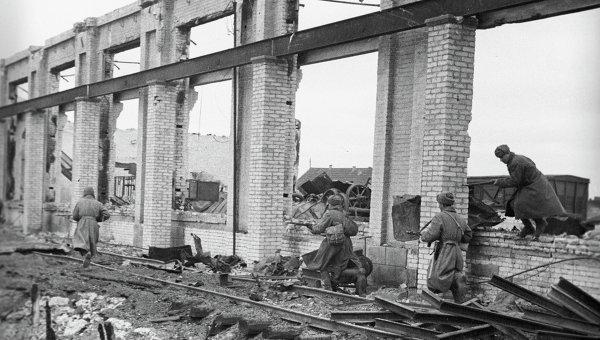 Советские солдаты в Сталинграде