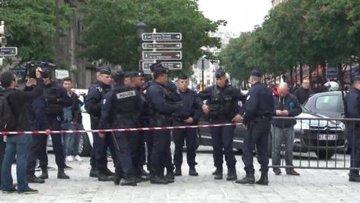 Полиция оцепила Нотр-Дам-де-Пари, где публично застрелился писатель Веннер