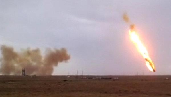 Падение ракеты-носителя Протон-М. Архивное фото