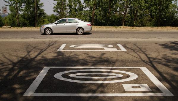 Новая разметка и знак фотовидеофиксации на российских дорогах. Архивное фото