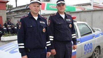 Инспекторы ГИБДД. Архивное фото