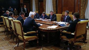 Д.Медведев провел совещание по вопросам модернизации ЖКХ