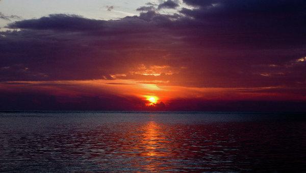 Закат на одном из остовов Фиджи