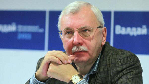 Журналист и политолог Виталий Третьяков. Архивное фото