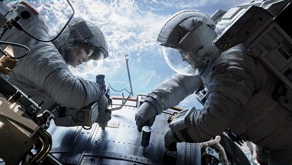 Кадр из фильма Гравитация