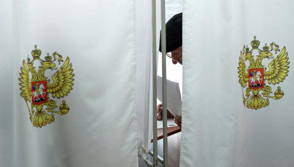 На избирательном участке. Архивное фото