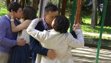 Томичи непрерывно целовались и танцевали почти три часа