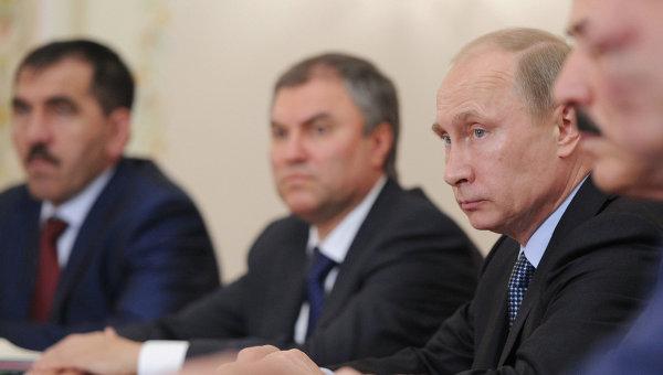 В.Путин провел встречу с избранными главами субъектов РФ. Фото с места события