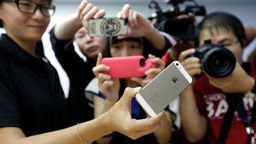 Презентация cмартфона iPhone 5S. Фото с места события