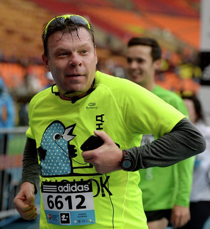 Шоумен Андрей Бочаров принимает участие в Московском марафоне