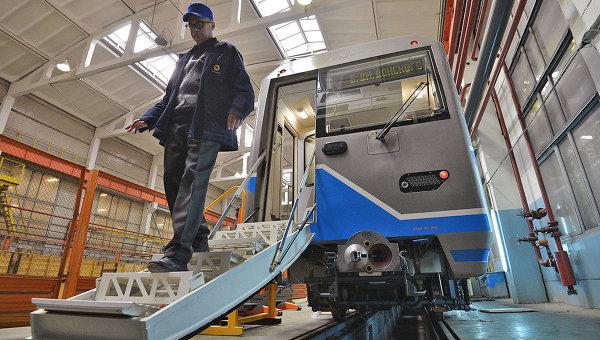 Трап и система подачи воздуха - специалисты о безопасности новых вагонов метро