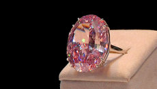 Редкий бриллиант Pink Star, или Как выглядит камень за 60 миллионов долларов