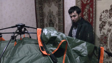 Томич разбил палатку, чтобы не замерзнуть в своей квартире
