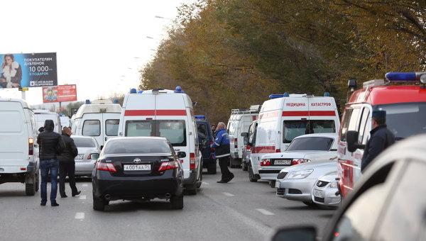 Автомобили Скорой помощи на месте взрыва пассажирского автобуса в Красноармейском районе Волгограда