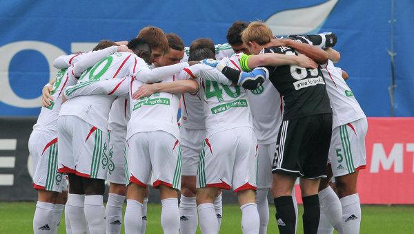 Футболисты Терека перед началом матча с ЦСКА