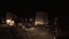 Газель  и ПАЗ лоб в лоб столкнулись под Новосибирском. Кадры с места ДТП