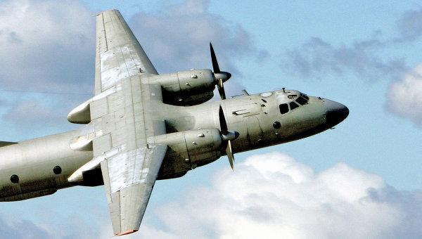 Военно-транспортный самолет Ан-26. Архивное фото