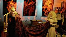 Костюмер в красноярской драме: звездный состав и три тонны декораций