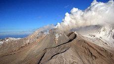 Вулкан Шивелуч. Архивное фото