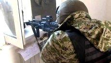 Силовики обстреляли дом с боевиками во время спецоперации под Махачкалой