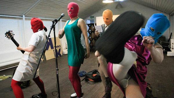 Кадр из фильма Показательный процесс: история Pussy Riot