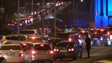 Автомобильная пробка, начинающаяся от КСК Фетисов Арена во Владивостоке после матча хоккейного клуба Адмирал . Фото с места события