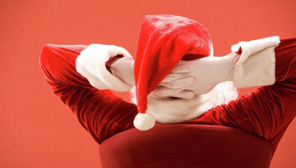 Мужчина в костюме Санта Клауса. Архивное фото