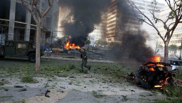 На месте взрыва в центре Бейрута. 27 декабря 2013. Архивное фото