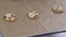 Кондитер из Англии показал, как испечь рождественское печенье