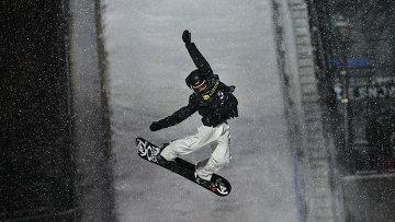 Шведский сноубордист в финальных соревнованиях чемпионата мира по сноуборду. Архивное фото