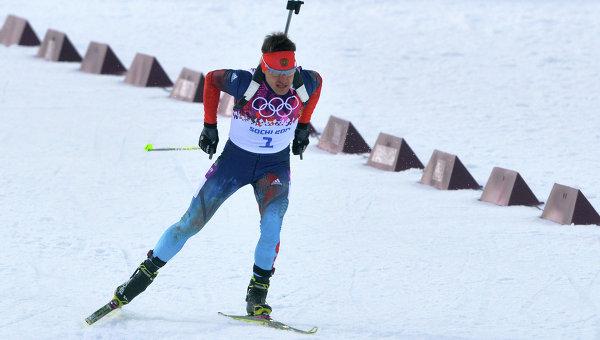 Евгений Гараничев (Россия) на дистанции индивидуальной гонки в соревнованиях по биатлону. Архивное фото