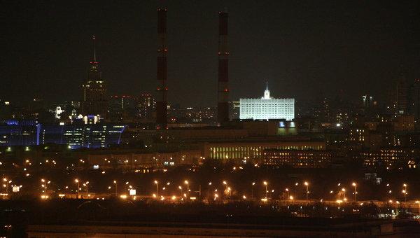 Вид с Воробьевых гор на центральные районы Москвы во время проведения экологической акции Час Земли. Архив