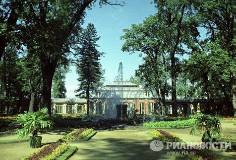 Сад Монплезир в Петродворце