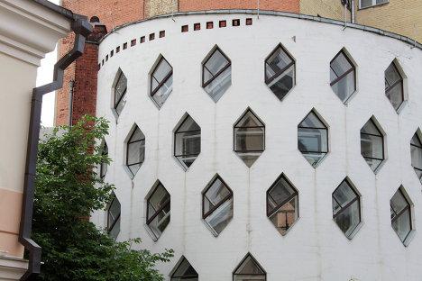 Одноквартирный жилой дом на Кривоарбатском переулке. Архитектор Константин Мельников.