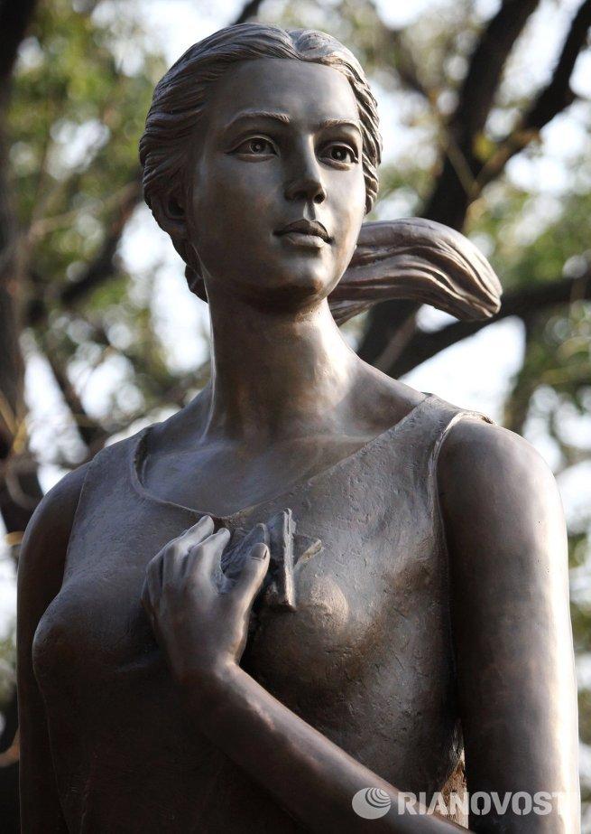 Памятник героине песня Катюша установили во Владивостоке