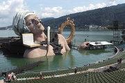 Плавающая оперная сцена