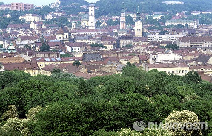 Вид на старую часть Львова